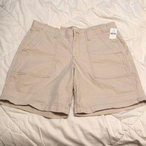 NWT GAP Girlfriend Chino Shorts